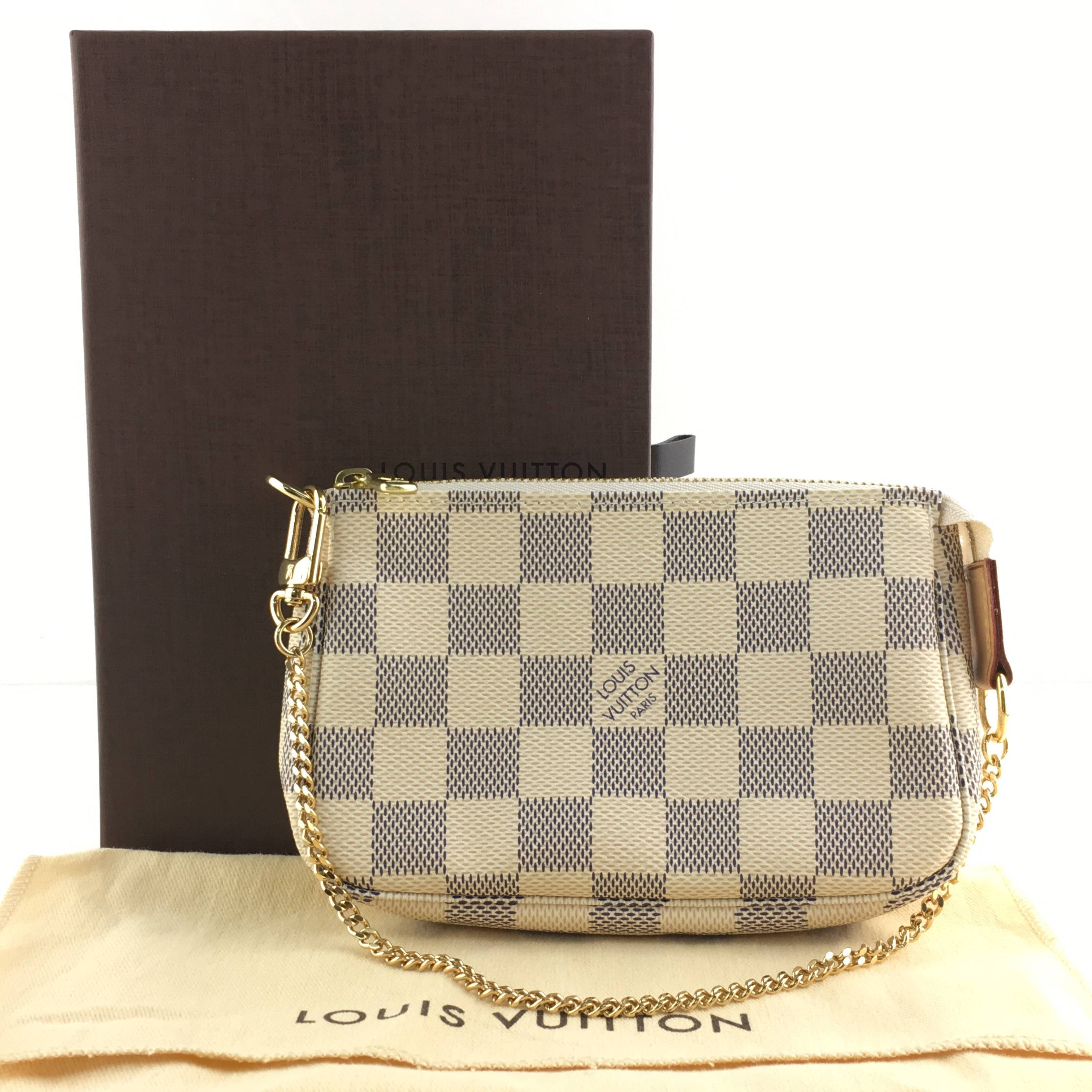 design intemporel cbab6 cd2c6 Auth Louis Vuitton Damier Azur Mini Pochette Accesorios ...